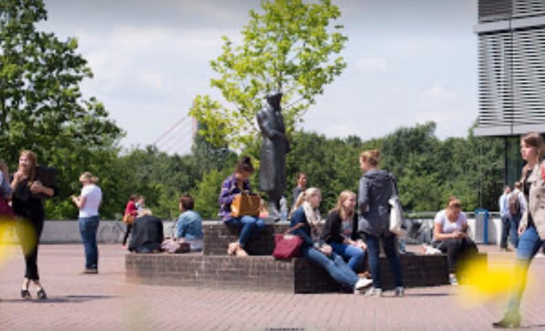 Die Heinrich-Heine-Universität Düsseldorf  ist eine Hochschule in Düsseldorf. - Hochschule gizemce - attorney at law ,boat yacht  wealth luxury
